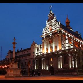 Вечірнє фото церкви св. Андрія