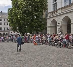 Фотки від Dyaka з Першого Всельвівського Велопараду Дівчат У Сукнях!